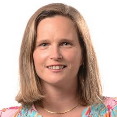 Jerilyn Edginton - Headshot - Author agile-thoughts