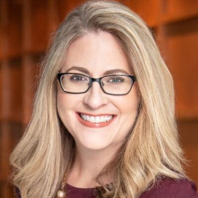 Karen Eber - Headshot - agile-thoughts author