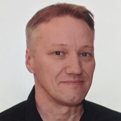Martin Ivison - Headshot - agile-thoughts author